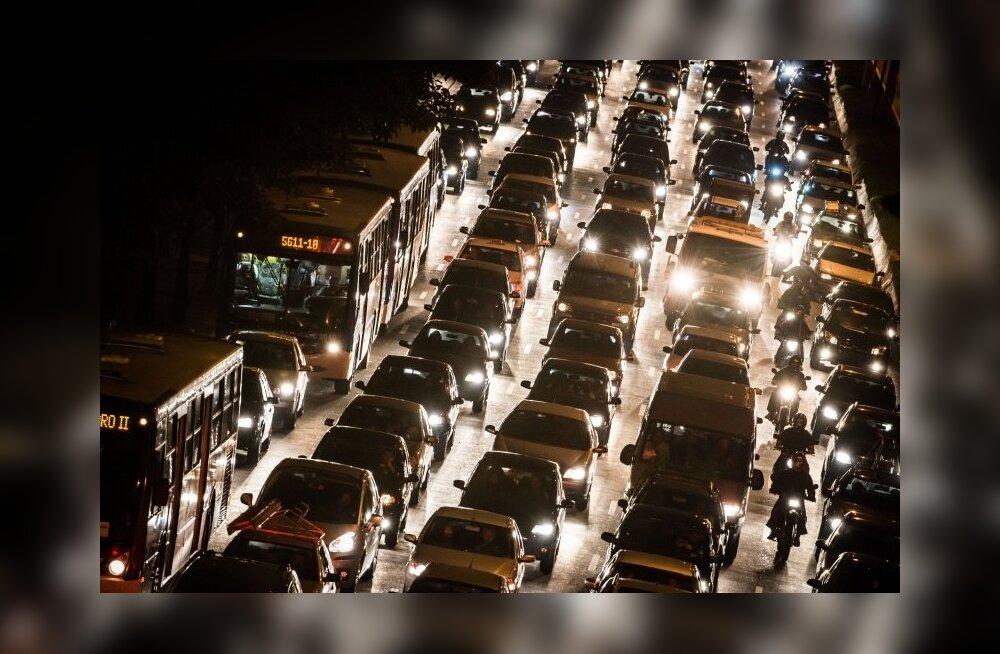 São Paulos on majandusõitseng kaasa toonud autouputuse ja 180kilomeetrised rekordummikud