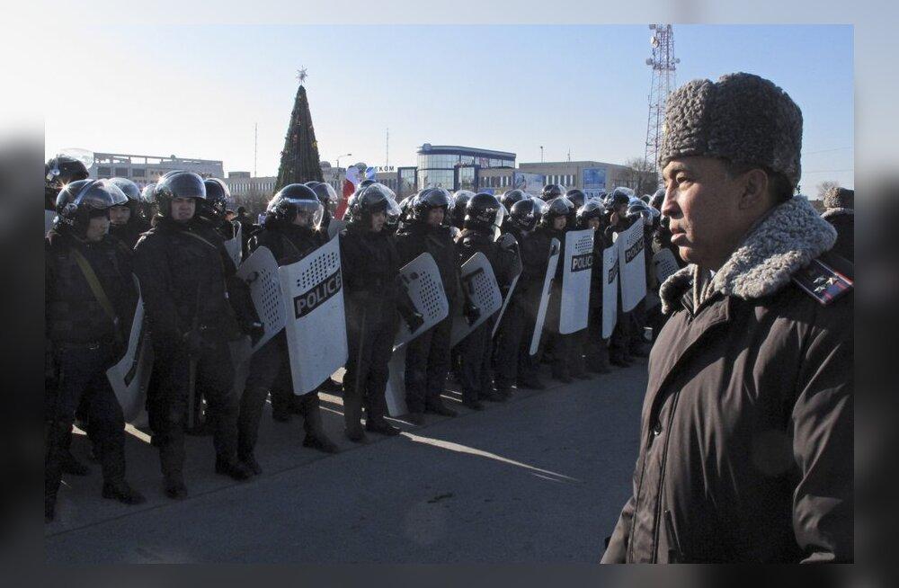 Kasahstanis avaldas meelt mitu tuhat inimest