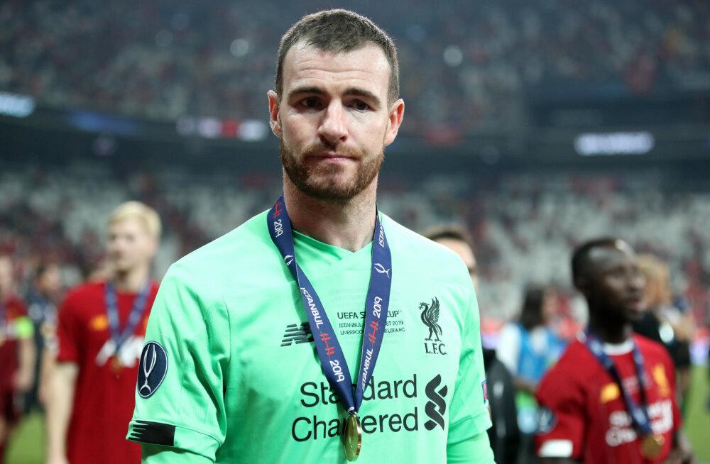 Superkarikavõitu tähistanud fänn vigastas kogemata Liverpooli väravavahti, Premier League'is võib mängu saada sisuliselt tundmatu mees