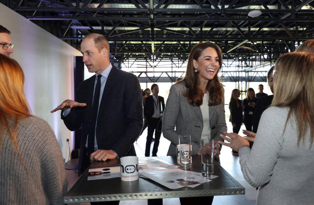 KLÕPS | Tõesti tüli majas? Prints William ja Kate Middleton sõitsid jõulusöömaajale eraldi autodega