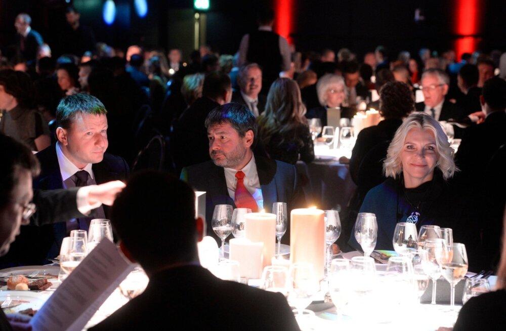 FOTOD ja VIDEO: Vaata, kes kogunesid Aasta Ettevõtja 2015 pidulikule õhtusöögile!
