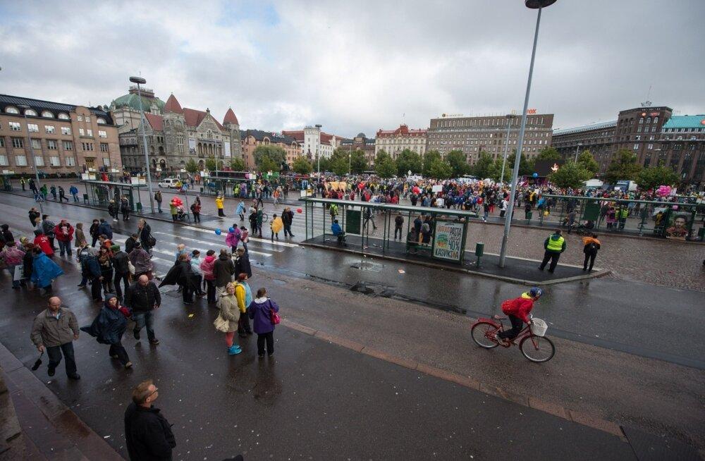 Streik halvab elu: Soomes protesteerivad sel nädalal mitmete ametite esindajad