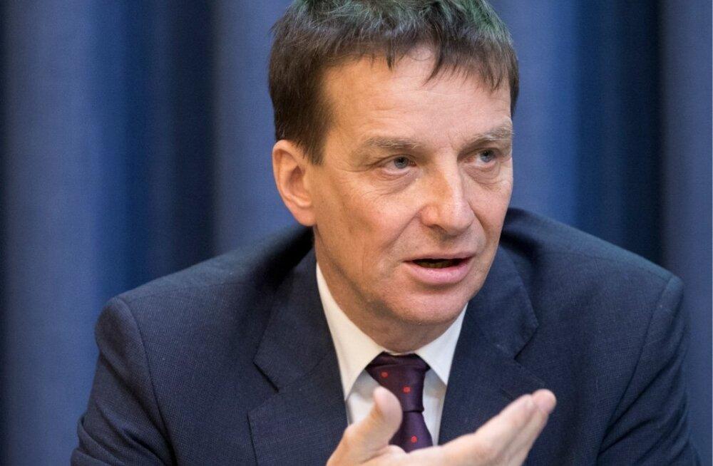 Eesti Panga pressikonverentsil soovitas Ardo Hansson, et valitsus peaks reserve koguma.