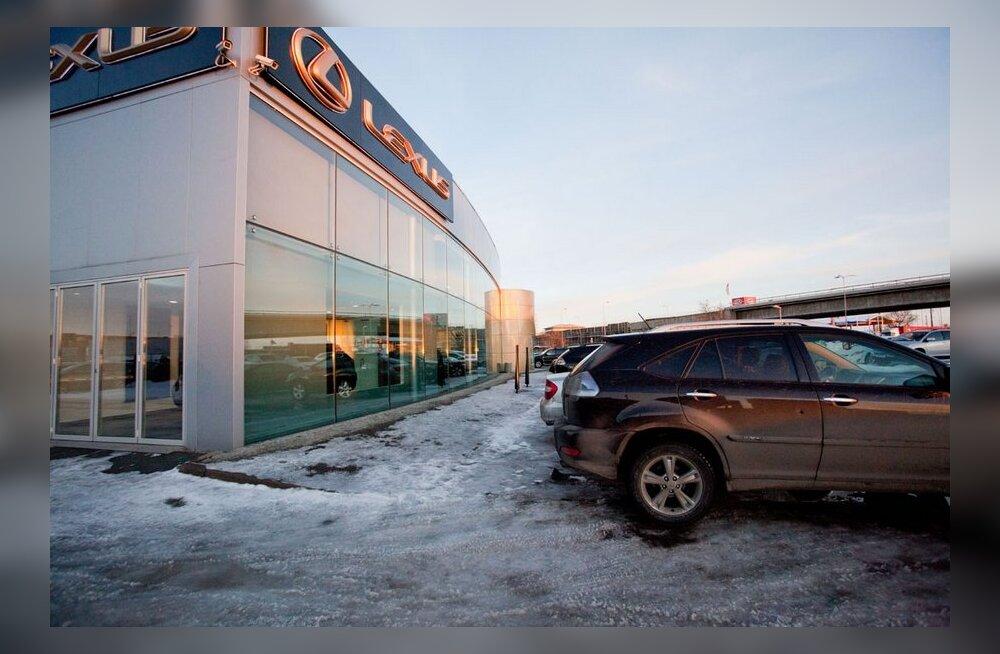 Большая часть продающихся в Эстонии американских машин — пережившая аварию рухлядь
