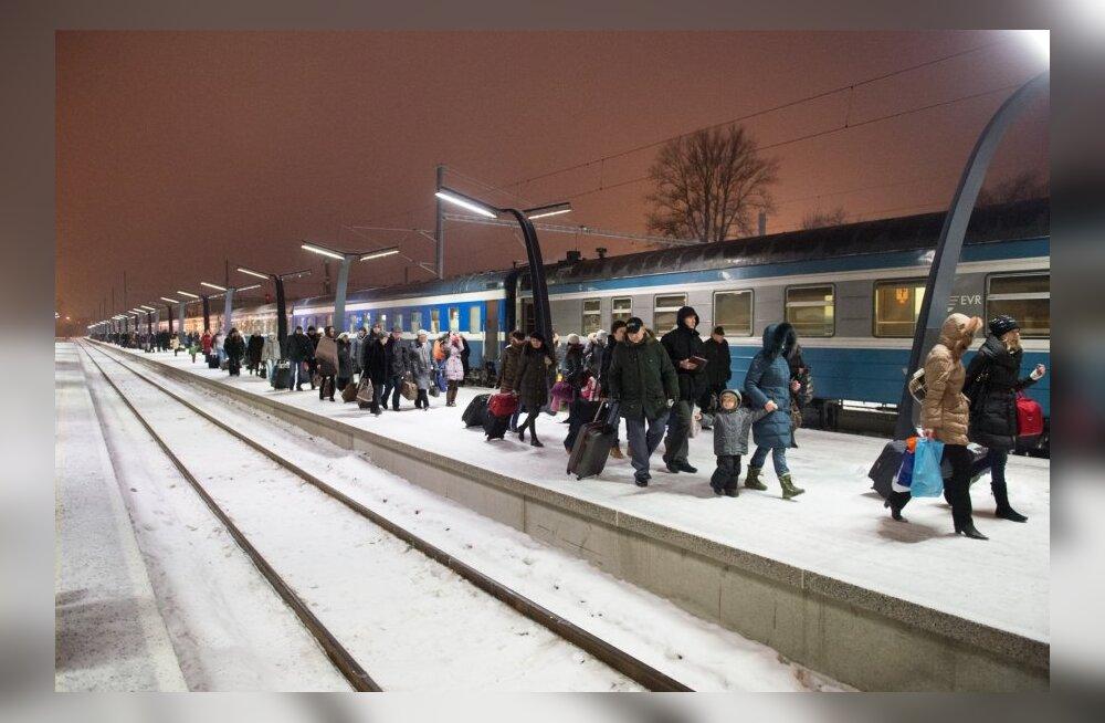 Hommikune Moskva rong ja Balt jaam-50