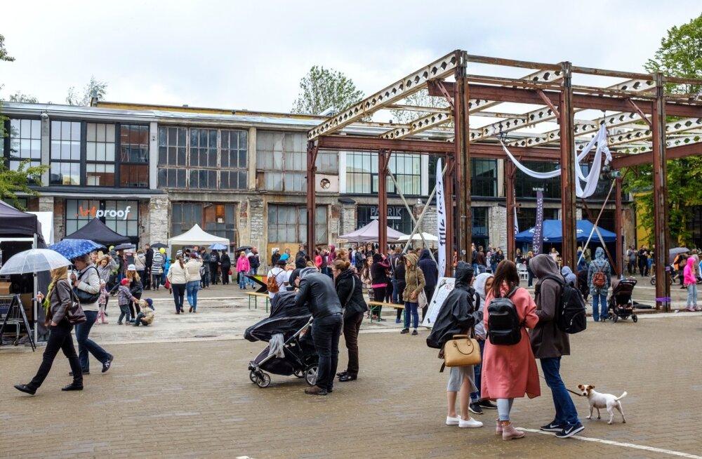 Kirbuturust muusikaelamusteni: Telliskivi Loomelinnak tähistab 8. sünnipäeva eriti mõnusa minifestivaliga