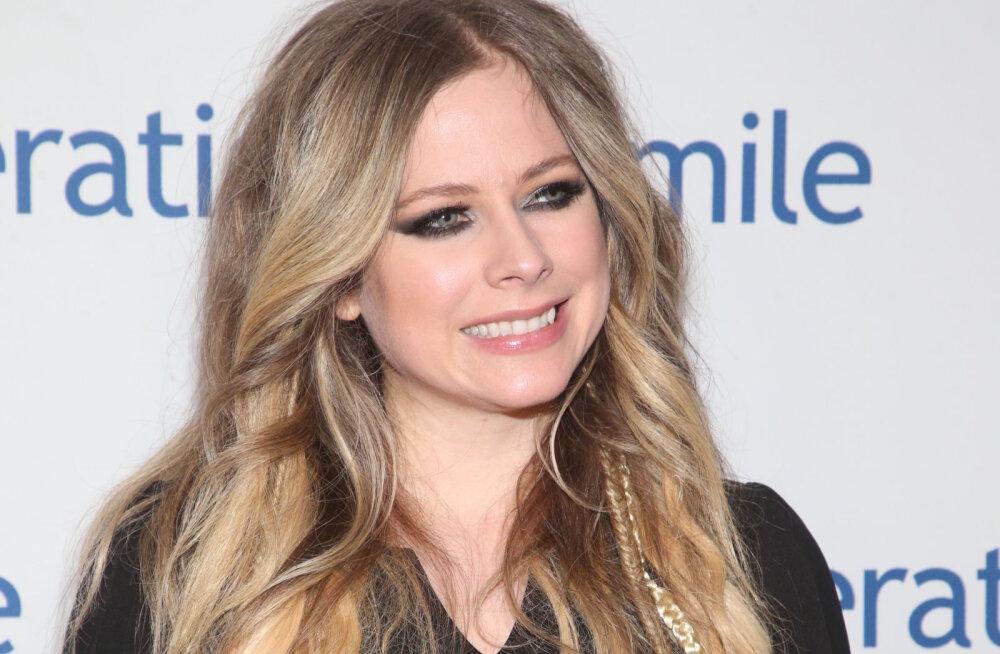 Taas üksi: Avril Lavigne'i ja ta miljardärist kallima suhe on läbi