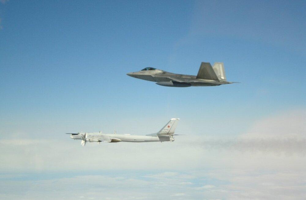 USA hävitajad saatsid Alaska ranniku lähistel nelja Vene pommitajat ja kaht hävitajat