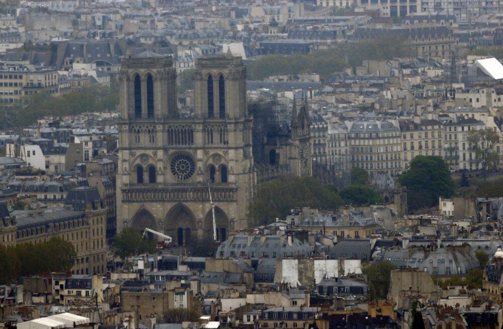 YouTube luges Pariisi katedraalipõlengu videod kogemata 9/11 vandenõuteooriaks