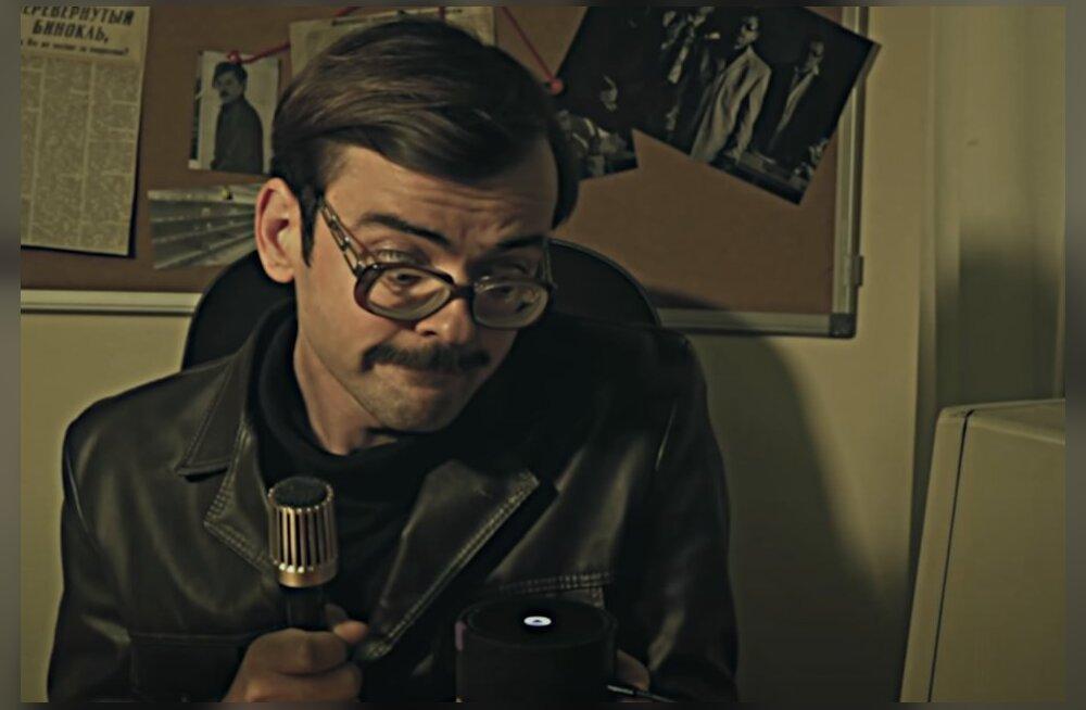 Ржали всем самоудаленным офисом: как блогер RusDelfi смотрел скетчи набирающего популярность юмориста Лапенко