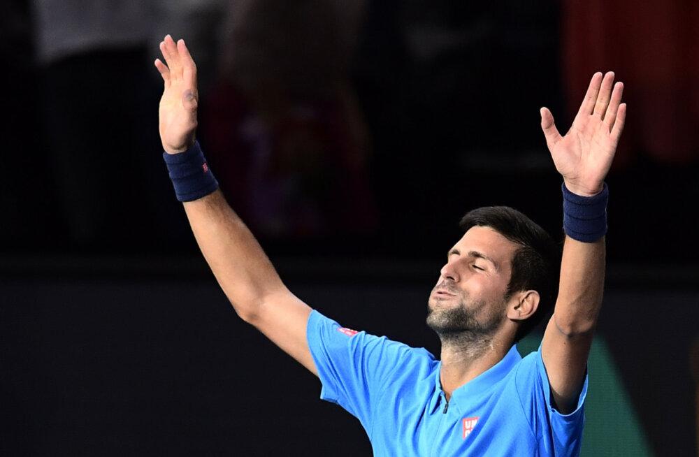 Esireketi kohta kaitsev Djokovic pääses Pariisis Dimitrovi vastu üle noatera