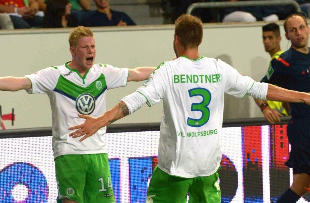 Niklas Bendtner, Kevin de Bruyne