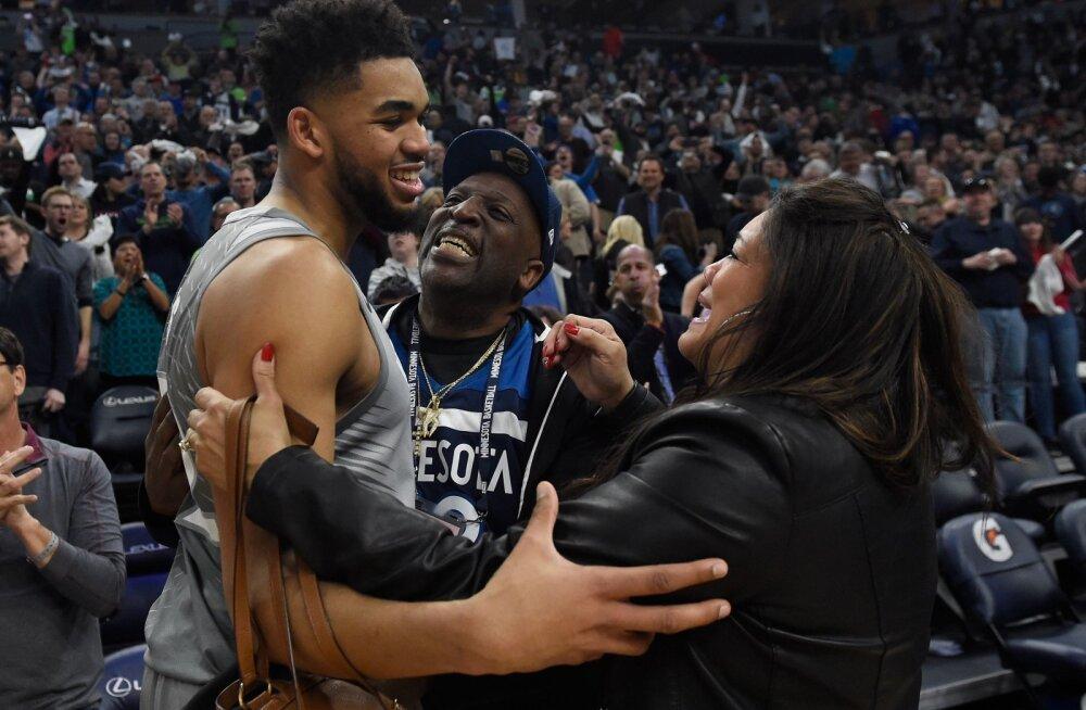 Koroonaviirus nõudis NBA tähtmängija ema elu