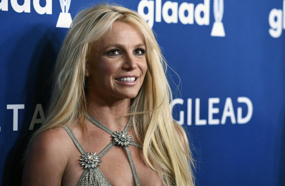 KLÕPS   Milline keha! Mitu kuud kadunud olnud Britney Spears on elu parimas vormis