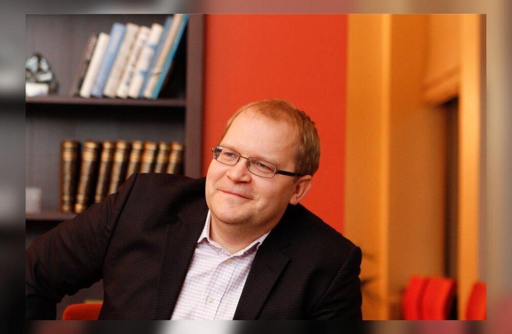 Urmas Paet on kõige kõrgemalt hinnatud minister.