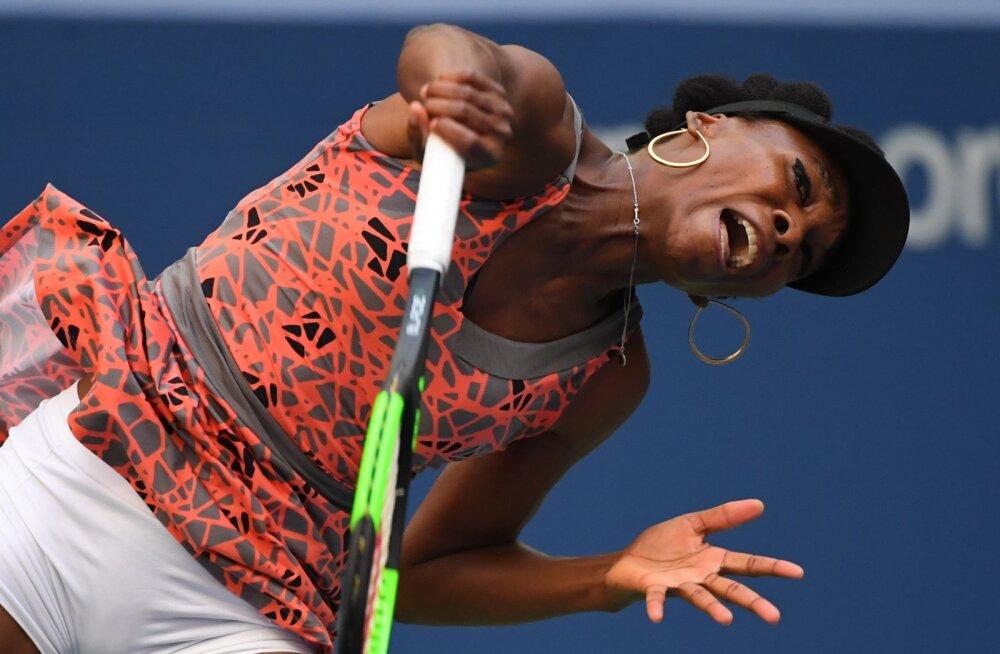 VIDEO | Võimsa servi auti löönud Venus Williams tabas pallipoissi hella kohta