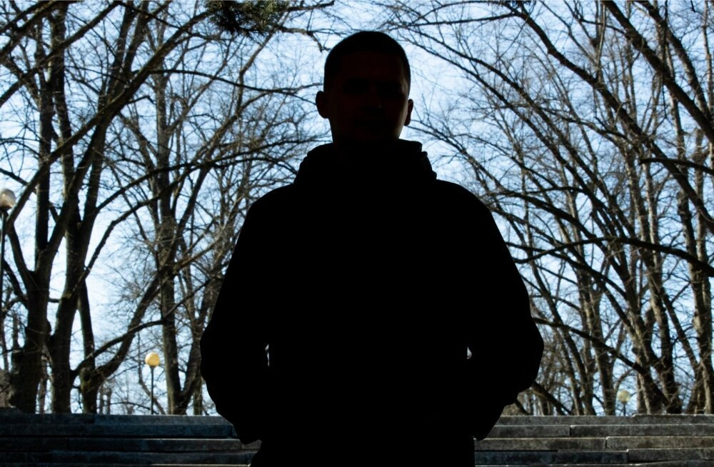 Martin ütleb, et HIV-diagnoos muutis tema elu päevapealt. Senine suhe katkes ja tumedad mõtted hakkasid ligi hiilima.