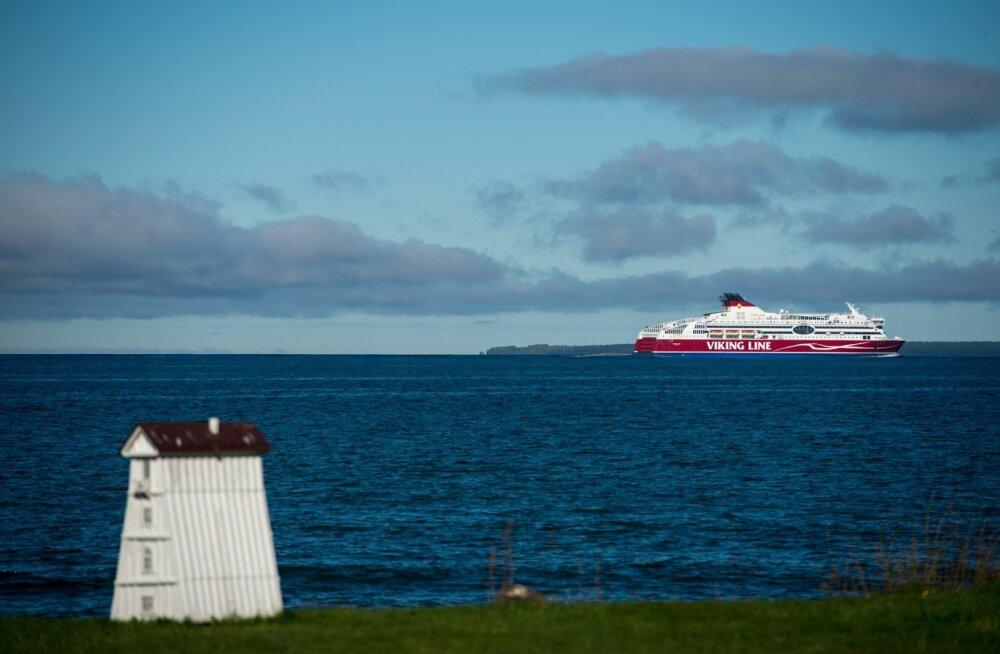 Sadamast lahkuv Viking Line laev