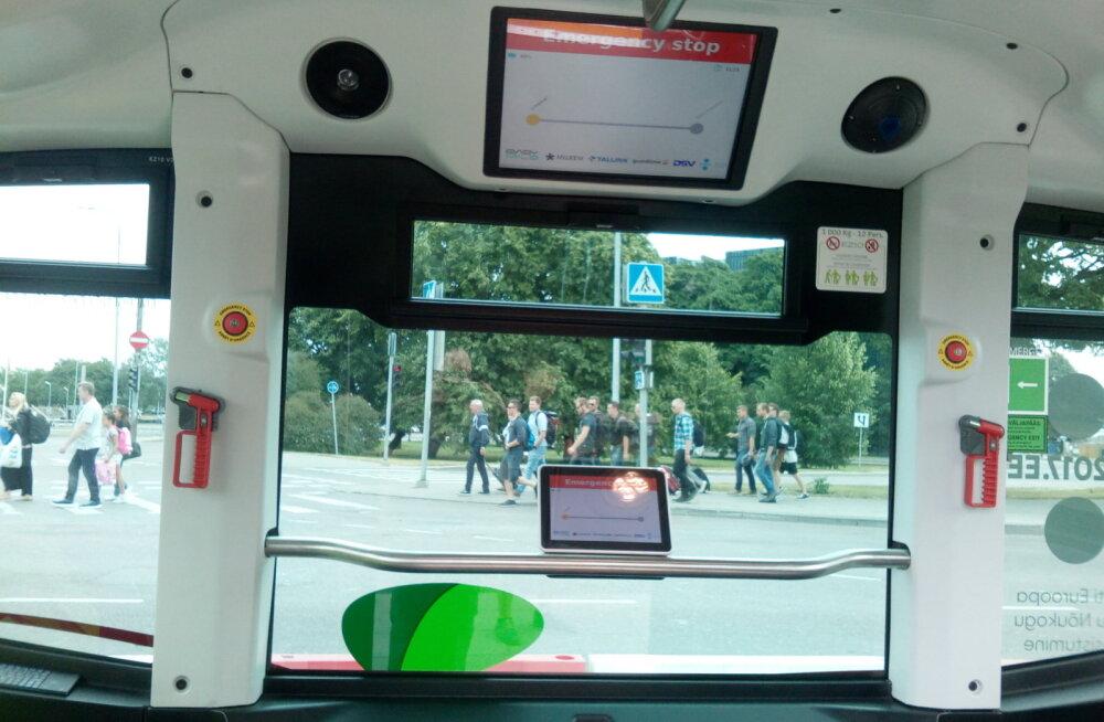 PROOVITUD: Isejuhtiv buss suriseb tasa ja veereb tüünelt