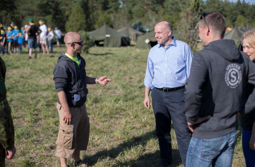 Kaitseminister külastas Kaitseliidu noorte suurlaagrit Spekter