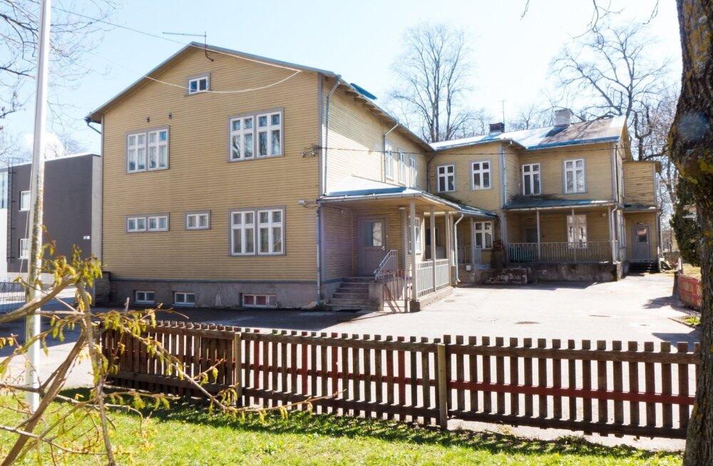 Kuressaare linn sooviks Palo plaani rahaga renoveerida näiteks selle Pargi tänava maja.