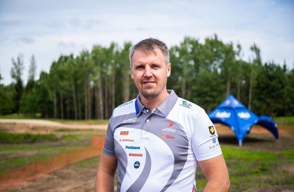 Rally Estonia peakorraldaja Urmo Aava taustal on Truuta pealtvaatamiskoht. Veel aasta tagasi kasvas sellel paigal tavaline võsa, nüüd aga on sinna ehitatud umbes 600 meetrit atraktiivset kiiruskatseteed.
