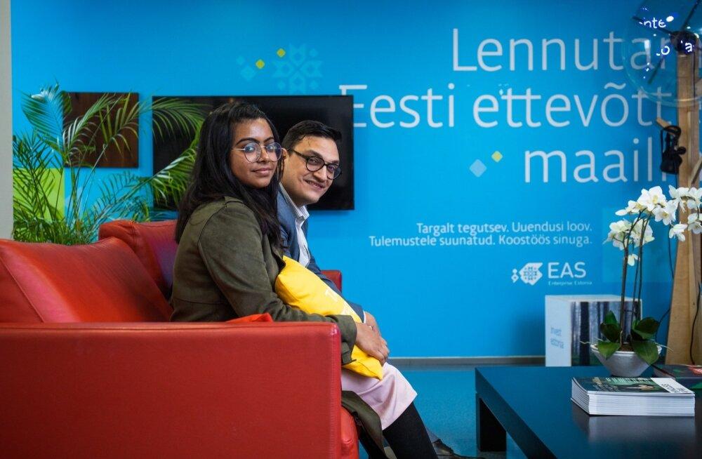 EAS-i nõunikud (vasakult) Grace Nathaniel ja Vinod Basliyal ütlevad, et Indias on vajadus kõige järele.