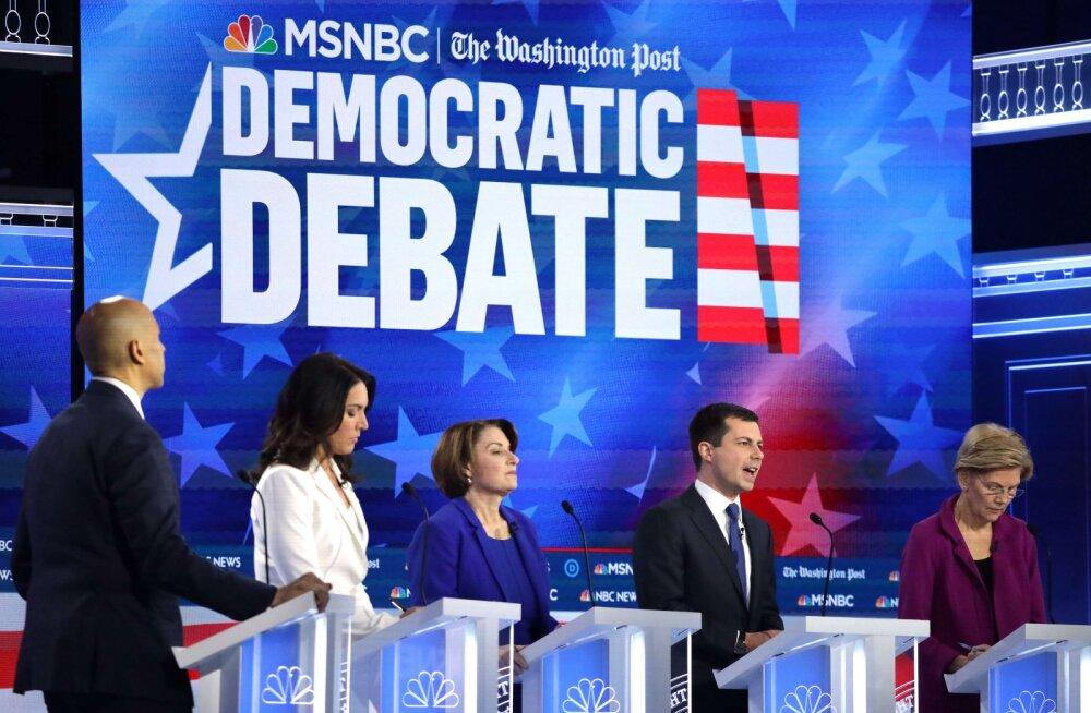 USA demokraatide presidendidebatt pidi võitlema tähelepanu pärast Trumpi tagandamisjuurdlusega