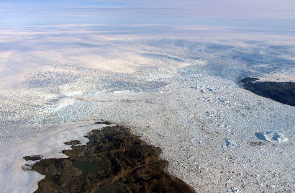 Kliimateadlased hämmastuses: üks suurimaid Gröönimaa liustikke on taas kasvamas