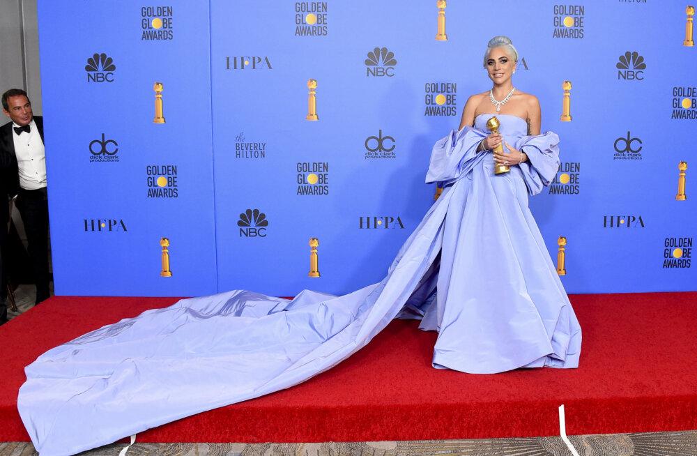 Hooletus maksab karmilt kätte: Lady Gaga hotelliruumi unustatud hirmkallis kleit läheb oksjonile