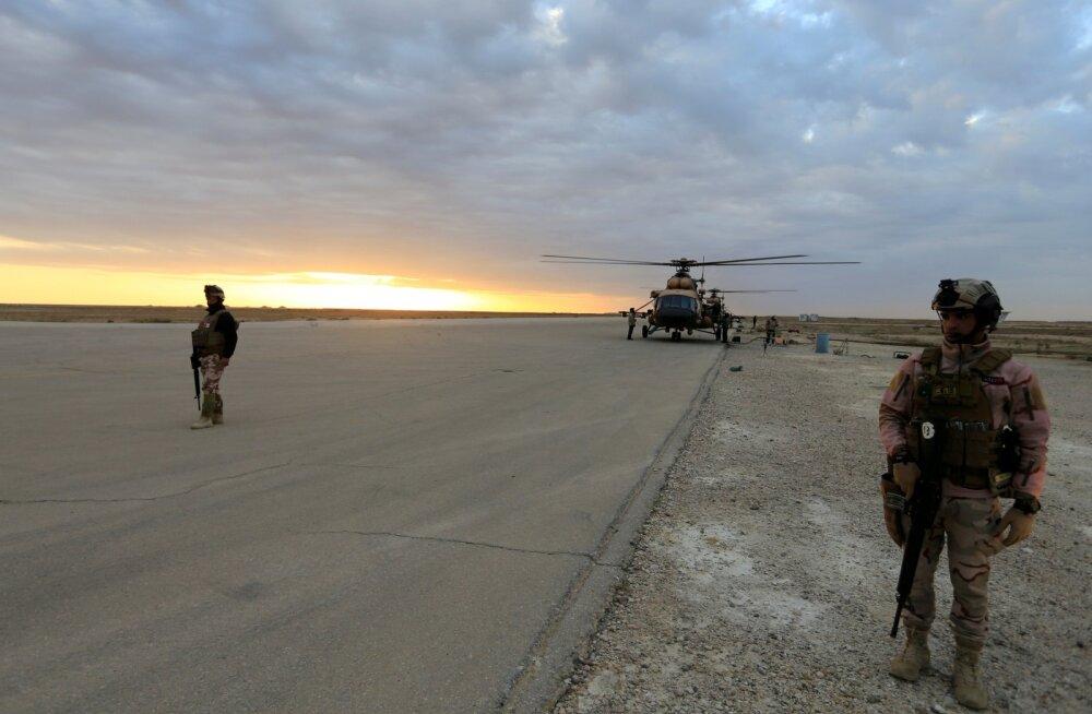 Iraagi julgeolekujõud täna öösel rünnatud Al-Asadi sõjaväebaasi lähistel.
