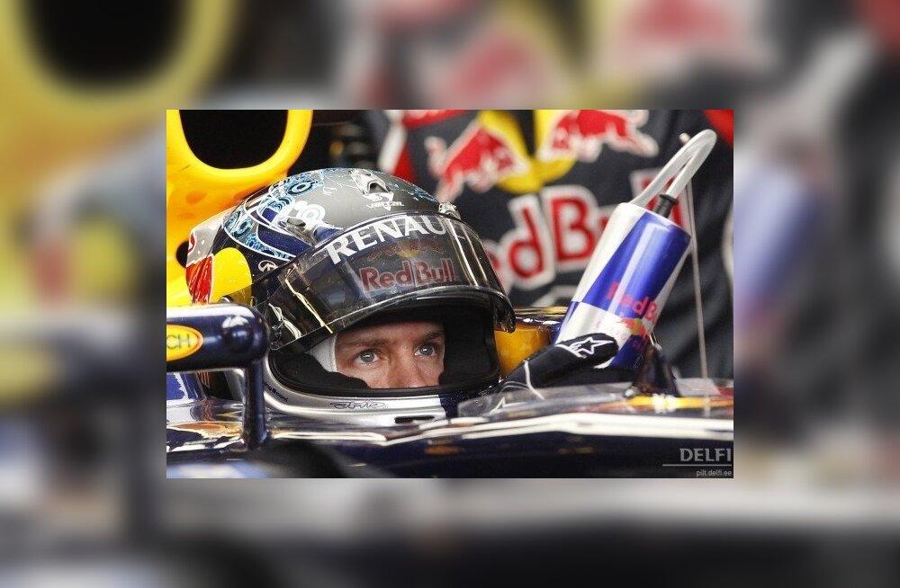 Sebastian Vettel võitis Šanghais kaks esimest vabatreeningut