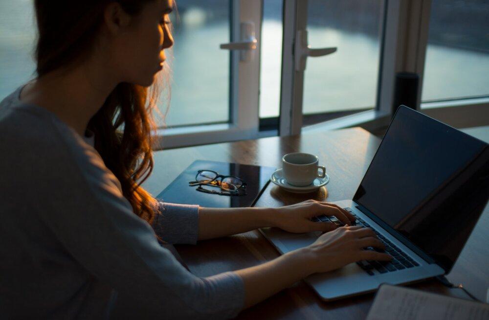 Tööstress kimbutab ja tunned ennast õnnetult? Kui koged neid 8 märki, võid kindel olla, et hakkad läbi põlema