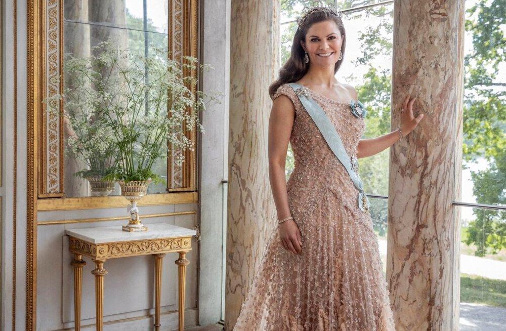 KUNINGLIKUD KLÕPSUD | Rootsi kuningakoda avaldas kroonprintsessi ja printsi suure aastapäeva puhul ülielegantsed pildid