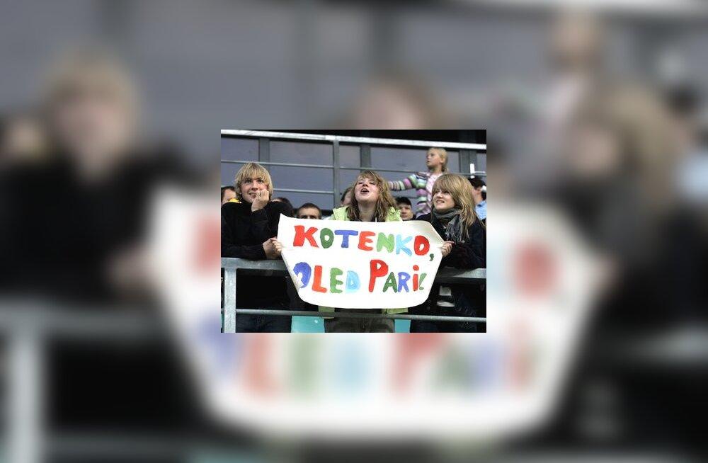 FC Levadia väravavahi Artur Kotenko poolehoidjad