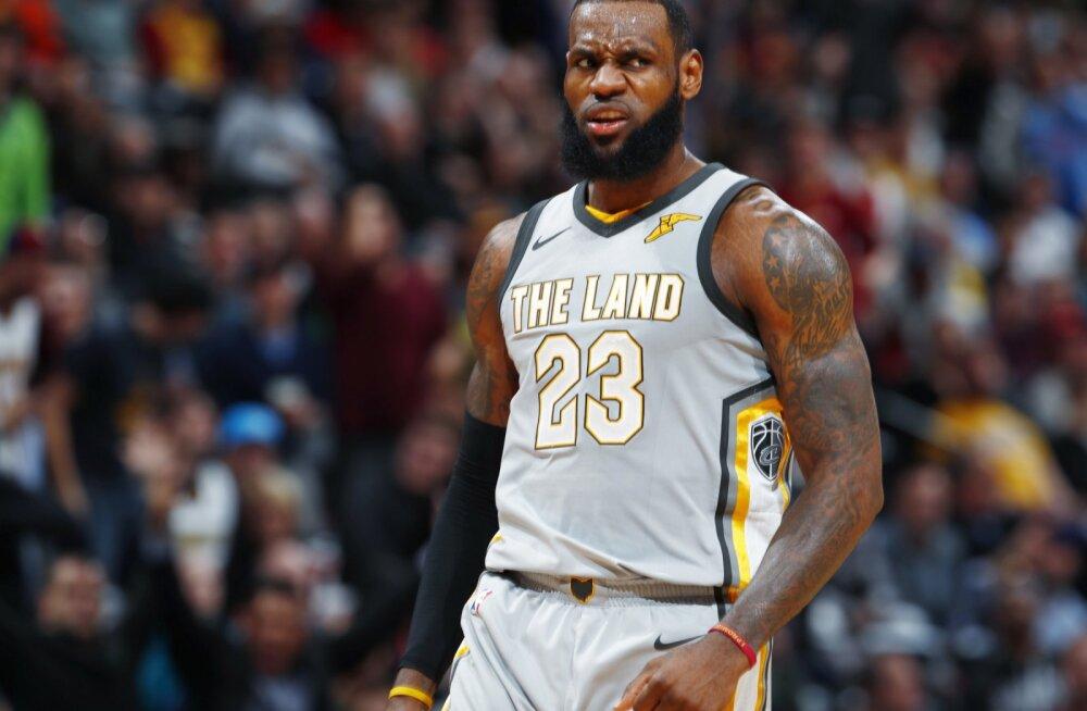 VIDEO | LeBron Jamesi võimas esitus tõi Cavsile võidu, Rockets pikendas oma võiduseeria 17-ni