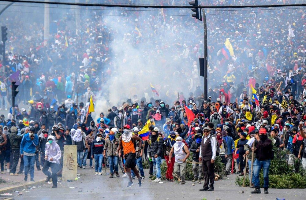 Rahutused Ecuadoris on sundinud valitsuse pealinnast lahkuma