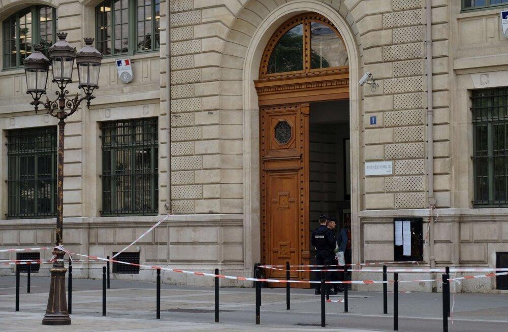 Pariisi politsei peakorteris neli inimest tapnud pussitaja oli kurt ja hiljuti islamiusku pöördunud