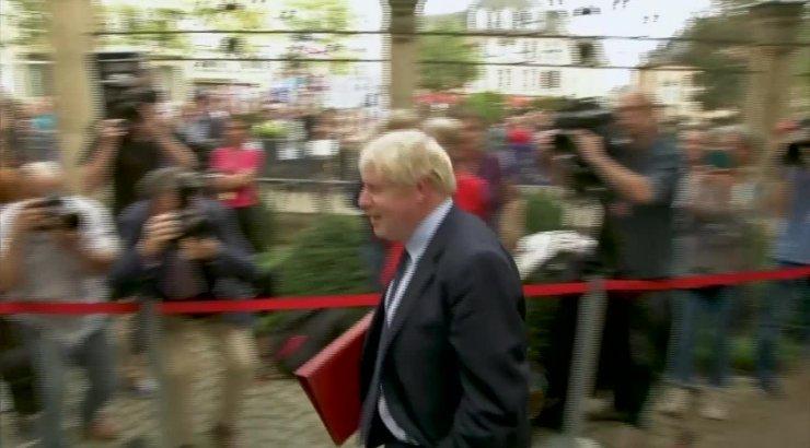 VIDEO | Briti peaminister Johnson vilistati eile Luksemburgis välja ja ta jättis pressikonverentsile ilmumata