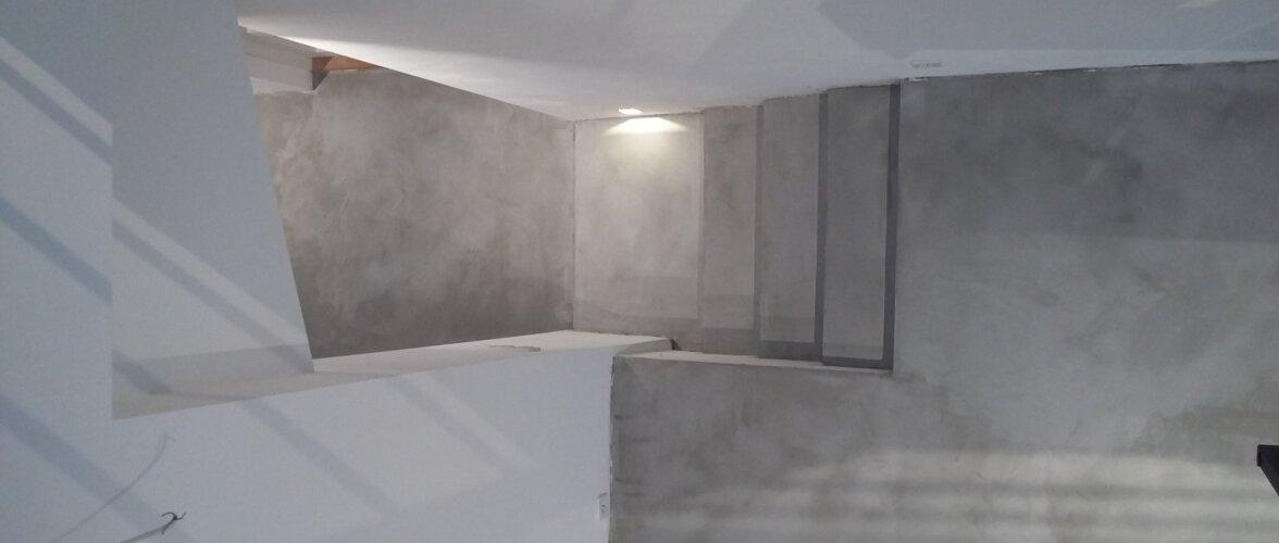 Mikrotsemendi võib vannitoas panna otse vanadele plaatidele