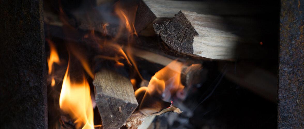 VIDEO   Kuidas saada kaminas tuli kiirelt põlema?