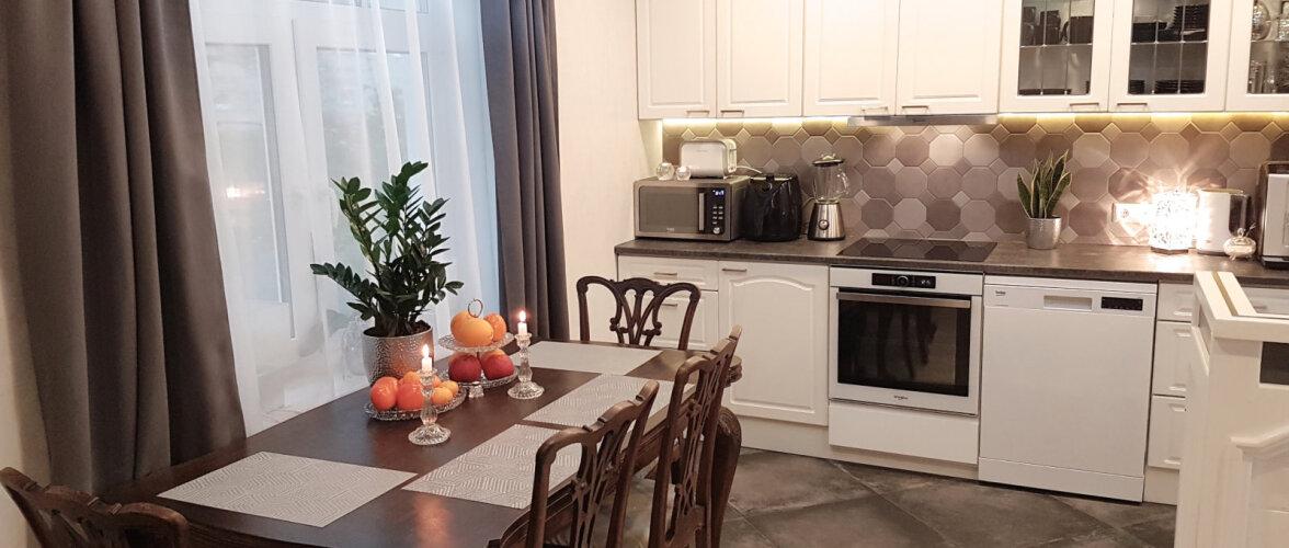 """FOTOVÕISTLUS """"Minu stiilne köök""""   Uus köök, kuhu on sobitatud teise ringi mööblit ja antiiki"""