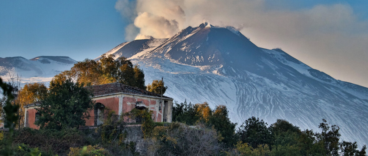 В будущем вулкан Этна сползет в море