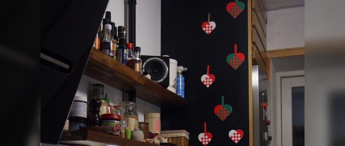 Eestlaste jõulud välismaal Taanis on põhiaksessuaarideks punutud jõulusüdamed, tähed ja Taani lipp