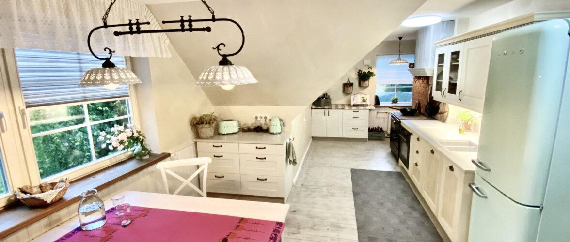 """FOTOVÕISTLUS """"Minu stiilne köök""""   Rõõmsate värvilaikudega helge ja maalähedane köök"""