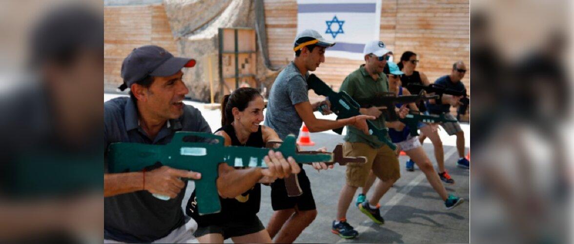 Туристов в Израиле начали обучать борьбе с террористами