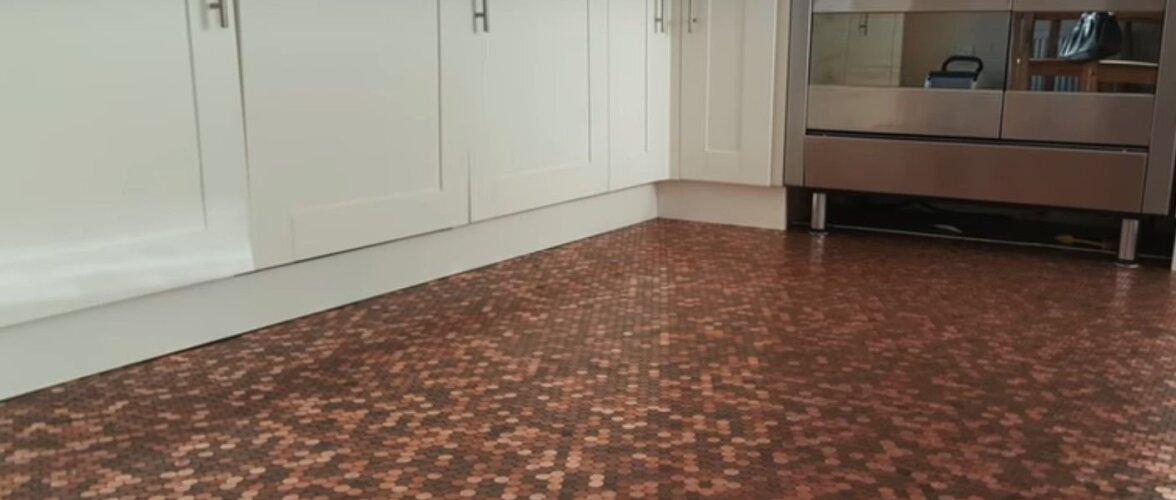 Kui sul on raha üleliia, siis paiguta see köögi põrandale. Müntidest laotud põrand on pingutust tõesti väärt
