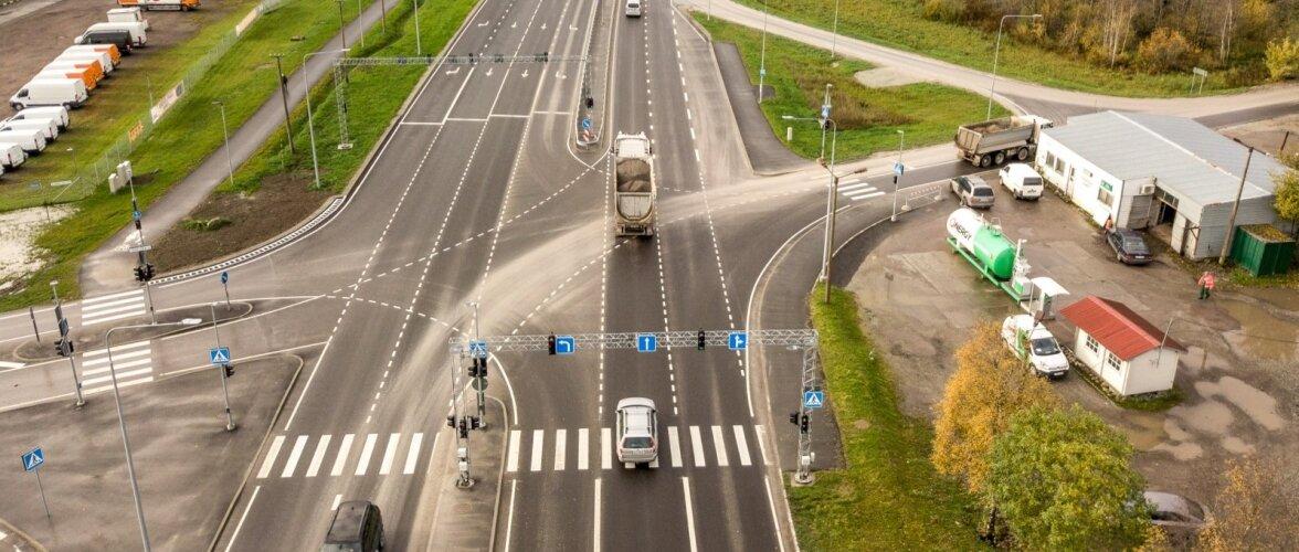 Karjäärist tulevad autod rikuvad maanteed