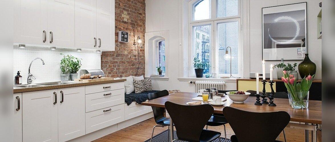 Suure köögiga väike kodu, kus pilku püüavad tellissein, kaarjad aknad ja kaunid laekarniisid