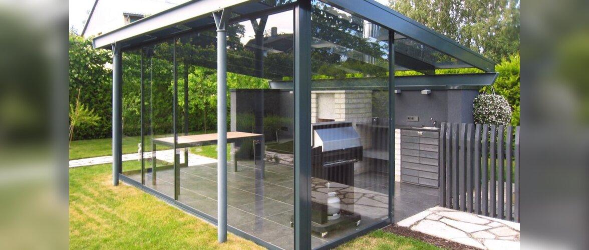 Klaasitud terrass on õhuline ja kaitseb tuule eest